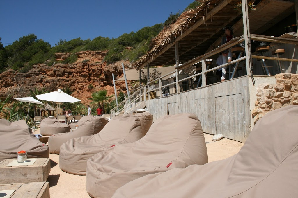 Part III: Lluna de mel Eivissa