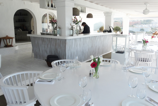 cotton beach club-beach-beach bar-beach club ibiza white-dinner-lunch-view cala-tarida-platja-salads