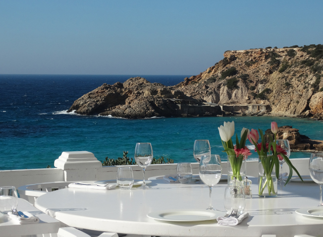 cotton beach club-beach-beach bar-beach club ibiza white-dinner-lunch-view cala-tarida-platja