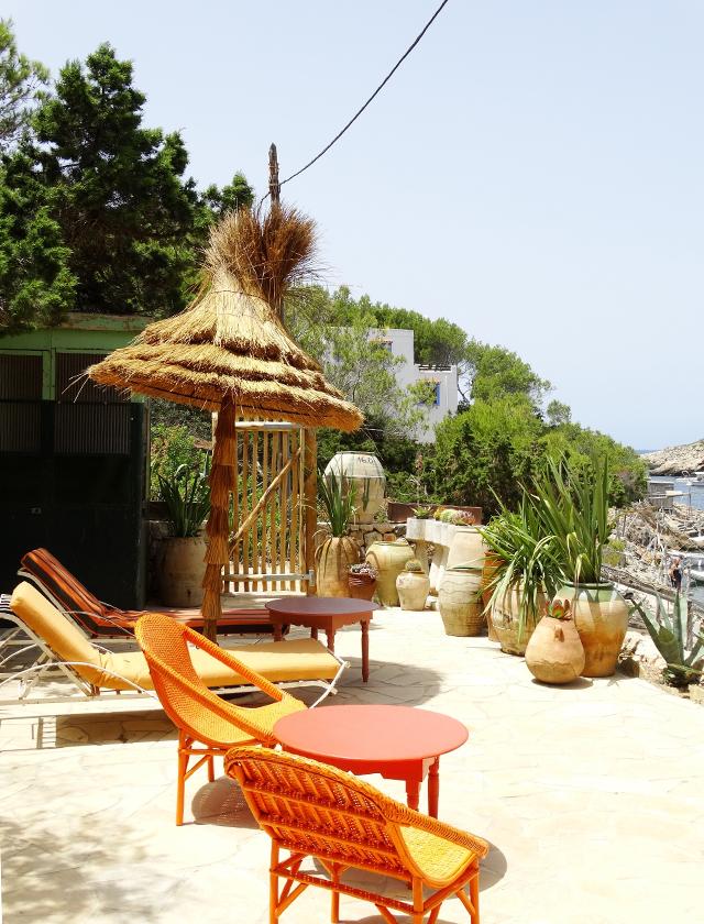 dels Enamorats-Eivissa-hotspot-hotel-new-Portinatx-bonica disseny de revistes-romaní-el-blanc-boutique de Portinatx-Eivissa